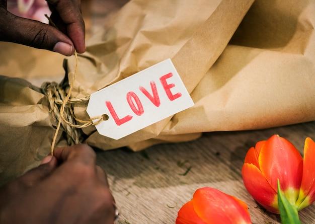 Valentinstag-tag auf einem geschenk Kostenlose Fotos