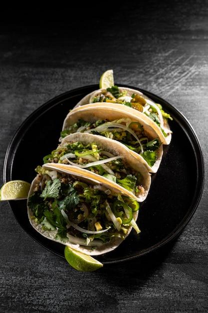 Vegetarische tacos-anordnung von oben Premium Fotos
