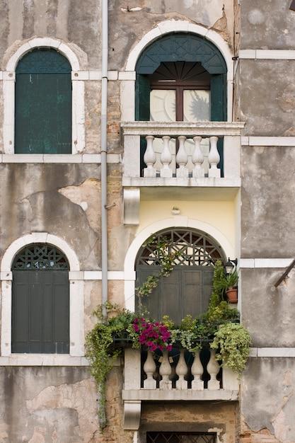 Venedig fenster Premium Fotos