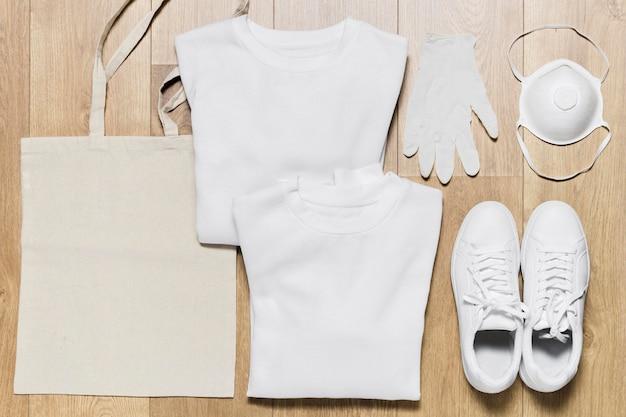 Verpackter hoodie mit schutzausrüstung Premium Fotos