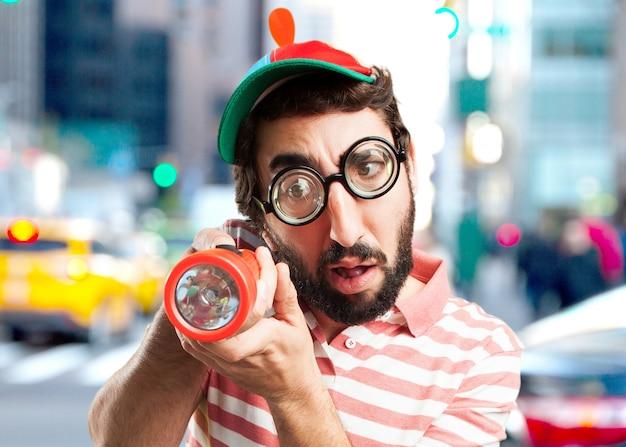 Verrückt junger mann überrascht ausdruck Kostenlose Fotos