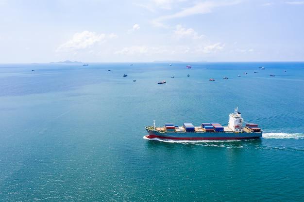 Versand frachtlogistikcontainer internationale offene see Premium Fotos