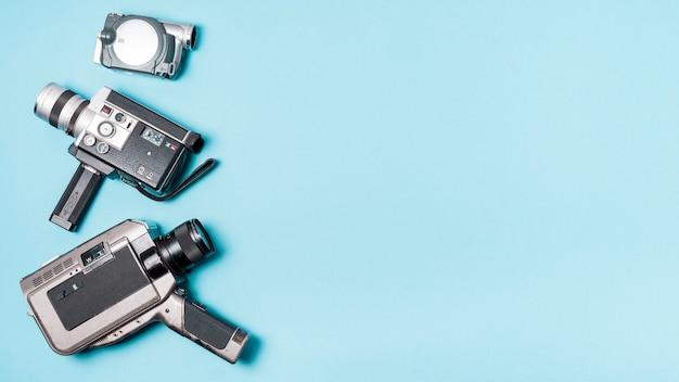 Verschiedene art des kamerarecorders auf blauem hintergrund Kostenlose Fotos