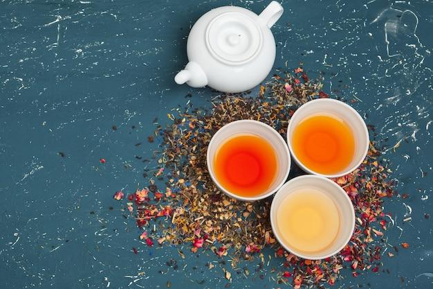 Verschiedene arten von tee für die zeremonie, draufsicht, freiraum Premium Fotos