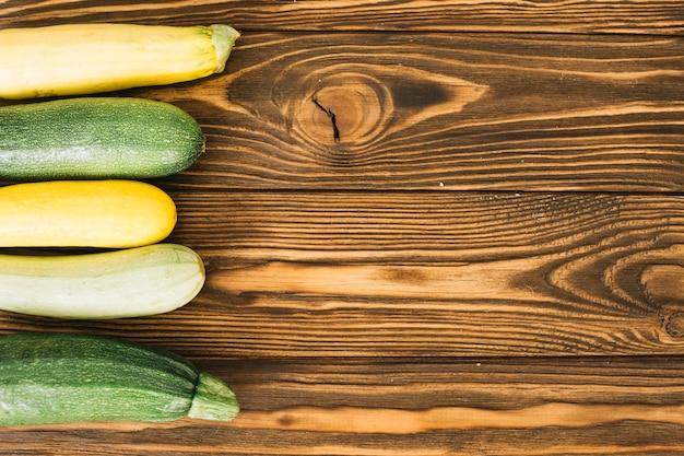 Verschiedene farbige zucchini Kostenlose Fotos
