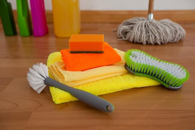 Verschiedene reinigungsgeräte Premium Fotos