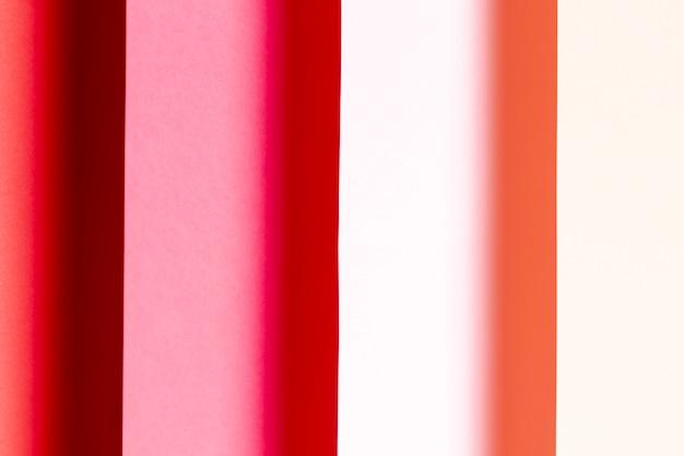 Verschiedene schatten der roten papiernahaufnahme Kostenlose Fotos