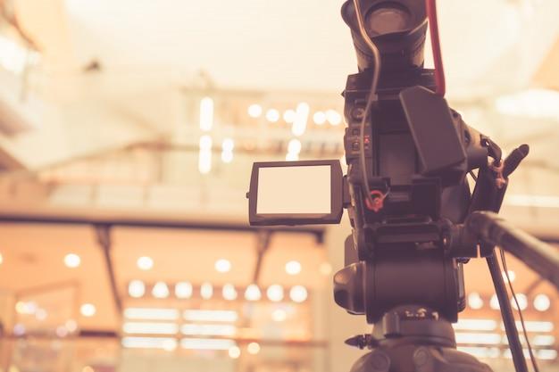 Verschwommen von der videokamera aufnahme filmaufnahmen der eröffnung im konferenzsaal live streming Premium Fotos