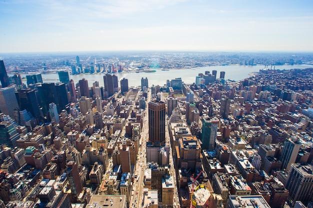 Vew von manhattan vom empire state building, new york Premium Fotos