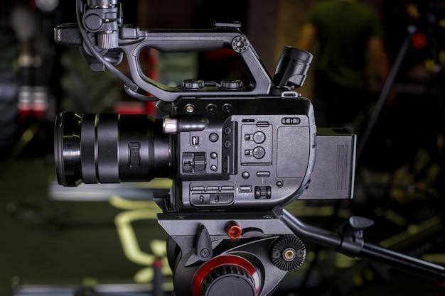 Videokamera in einer filmkulisse Premium Fotos