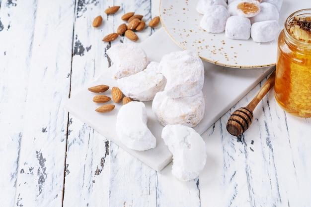 Vielzahl von traditionellen griechischen süßigkeiten Premium Fotos