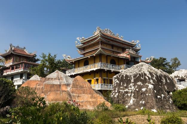 Vietnamesischer tempel, lumbini, nepal Premium Fotos