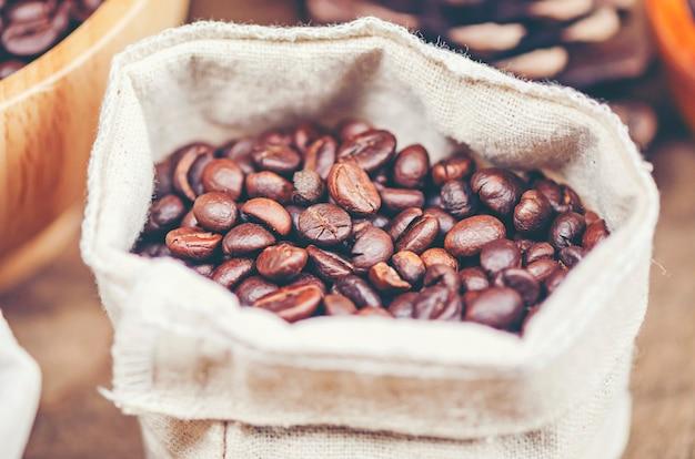 Vintage kaffee-werkzeuge Premium Fotos