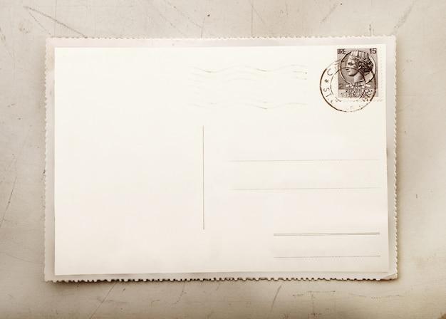 Vintage-karte mit leerzeichen zu schreiben Premium Fotos