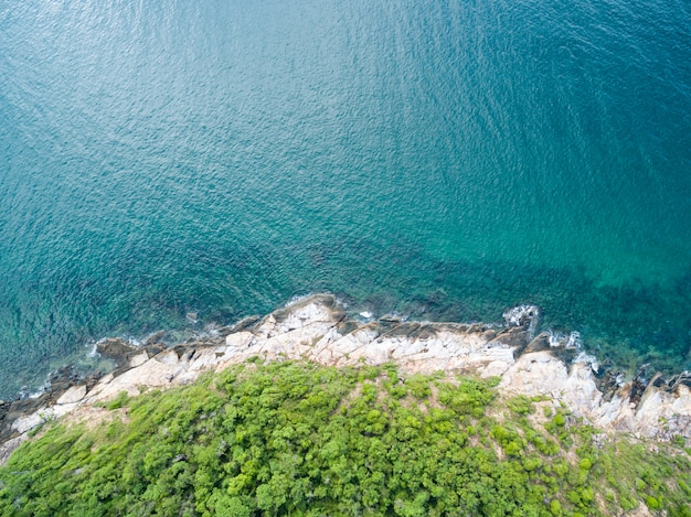Vogelaugenansicht des meerblicks in samed island, rayong, thailand Premium Fotos