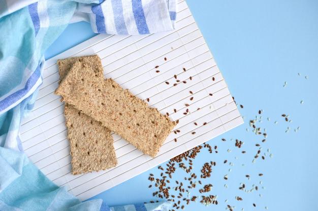 Vollkorn-cracker Premium Fotos