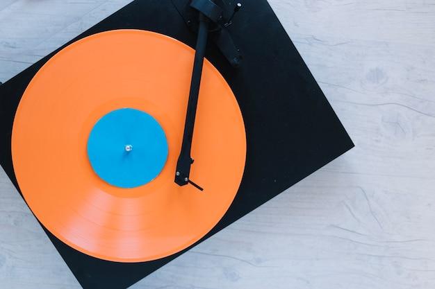 Von oben plattenspieler mit vinyl-disc Kostenlose Fotos