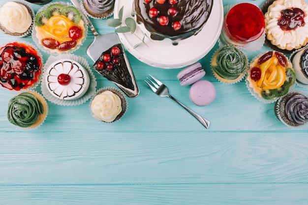 Von oben verschiedene desserts Kostenlose Fotos
