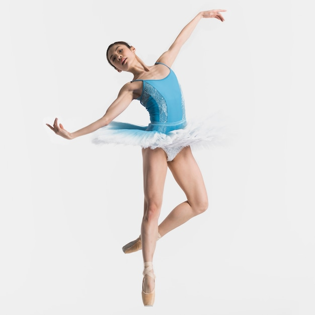 Vorderansicht des ballerina-tanzens Kostenlose Fotos