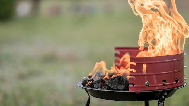 Vorderansicht des grills im freien Kostenlose Fotos