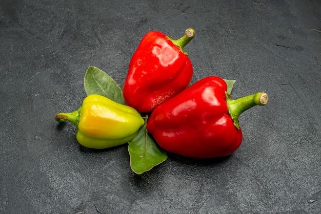 Vorderansicht frische paprika Kostenlose Fotos