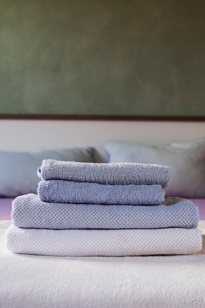 Vorderansicht vorrat an duftenden handtüchern Kostenlose Fotos