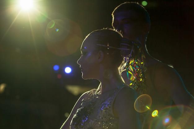 Vorstellungen im zirkus Premium Fotos