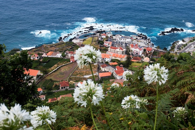 Vulkanküste von porto moniz Premium Fotos
