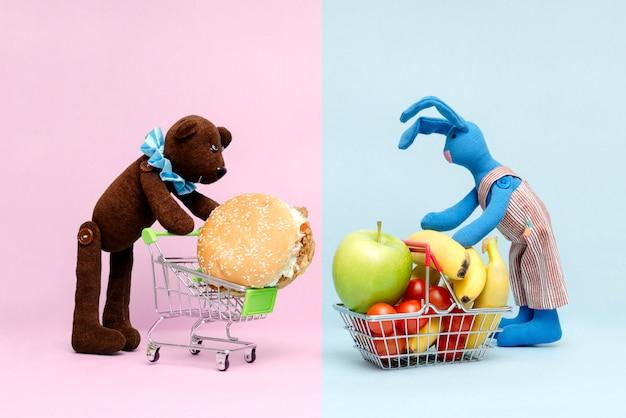 Wahl zwischen gutem und schlechtem essen Premium Fotos