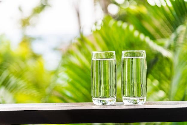 Wasserglas im freien Kostenlose Fotos