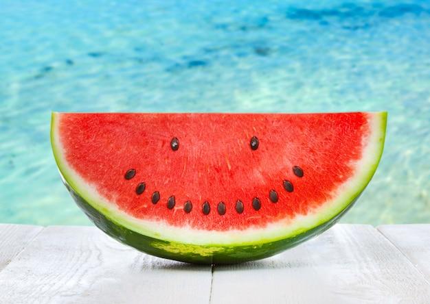 Wassermelone mit smileysamen. Premium Fotos