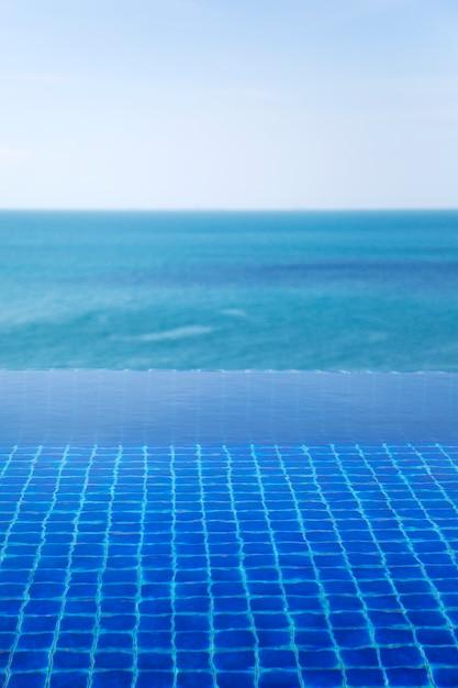 Wasseroberfläche des pools Premium Fotos