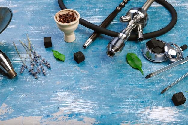 Wasserpfeifenteile, rauchende wasserpfeife. Premium Fotos