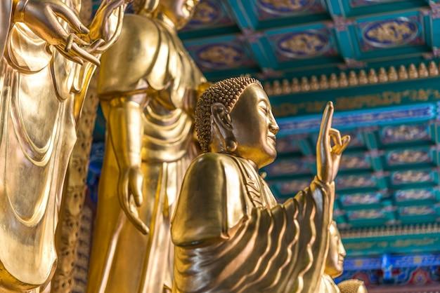 Wat boromracha kanchanapisek anusorn Premium Fotos