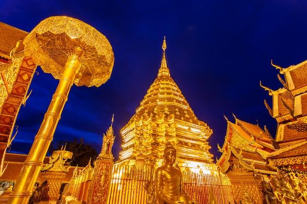 Wat phra that doi suthep ist touristenattraktion von chiang mai, thailand Premium Fotos