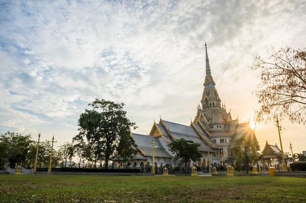 Wat sothon wararam worawihan in chachoengsao, thailand Premium Fotos