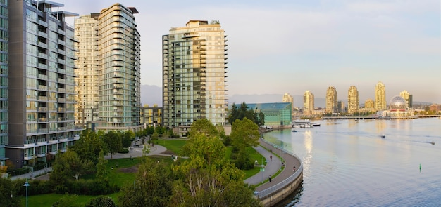 Waterfront leben in vancouver bc Premium Fotos