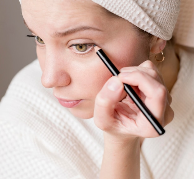 Weiblicher eyeliner Kostenlose Fotos