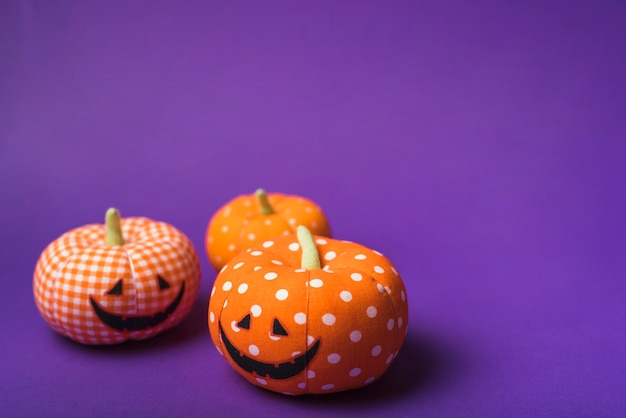 Weiche orange kürbise halloweens Kostenlose Fotos