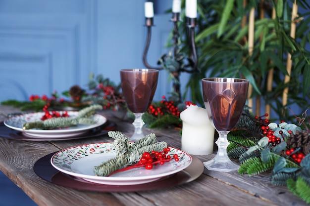 Weihnachts- und neujahrsdekor auf blauem hintergrund Premium Fotos