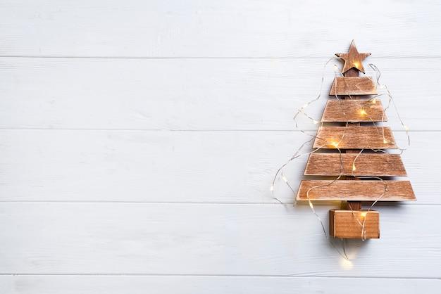 Weihnachtsbaum mit lichtern Premium Fotos