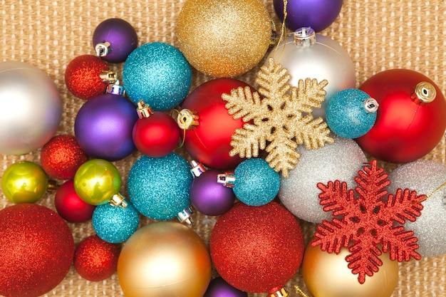 Weihnachtsbaumdekoration für party und feier Premium Fotos