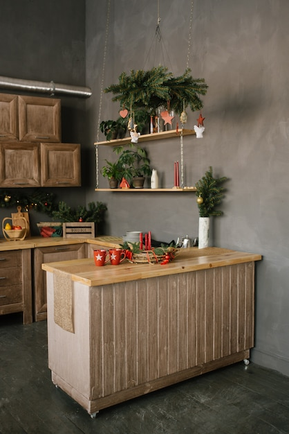 Weihnachtsdekor in der küche oder im esszimmer zu hause Premium Fotos