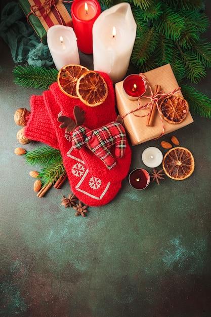 Weihnachtsdekoration und essen Premium Fotos