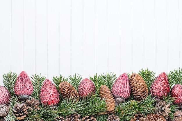 Weihnachtsdekoration. weihnachtsgrußkarte. symbol weihnachten. Premium Fotos