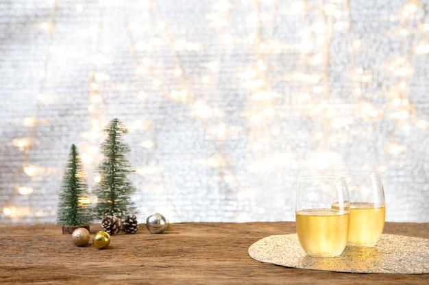 Weihnachtsfeier des neuen jahres mit geschenkgeschenkhintergrund feiern zeit des glücklichen besonderen anlasses Premium Fotos