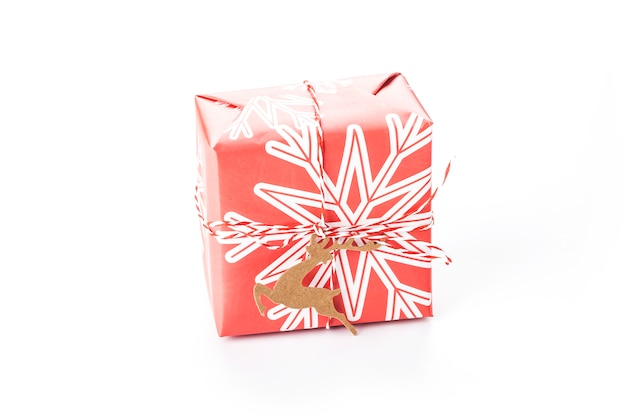 Weihnachtsgeschenkbox isoliert Premium Fotos