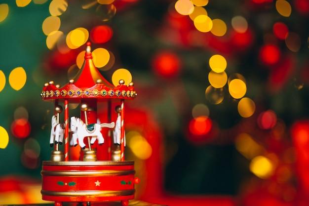 Weihnachtskarussellabschluß oben mit bokeh hintergrund Kostenlose Fotos