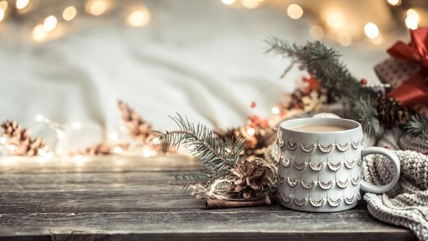 Weihnachtskomposition mit ornamenten Kostenlose Fotos