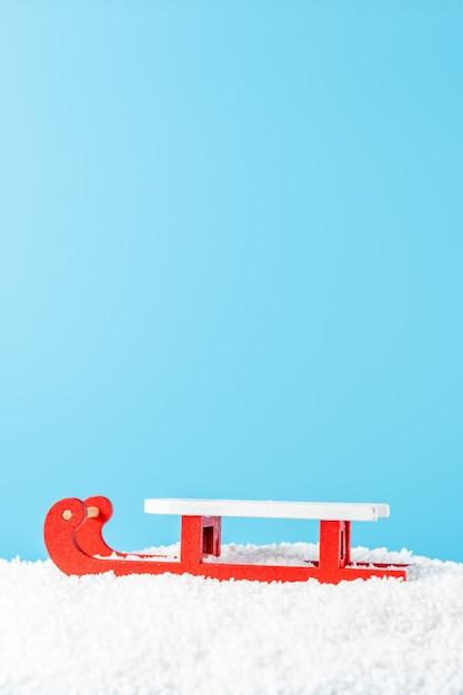 Weihnachtsmannschlitten auf schnee Premium Fotos